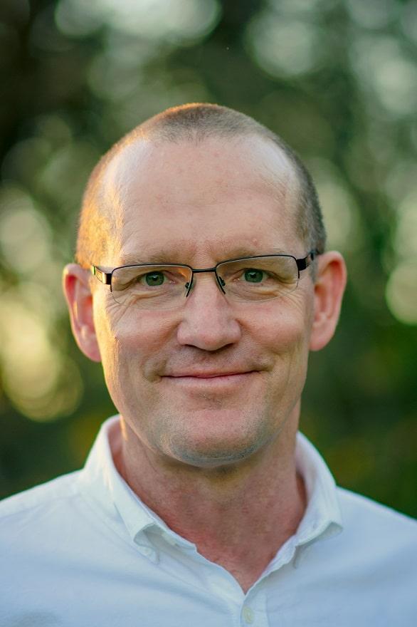 Chris Macnaught